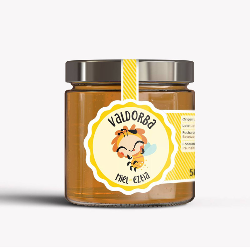 Foto de un bote de miel con etiqueta