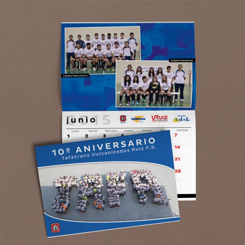 Foto de un calendario tipo folleto